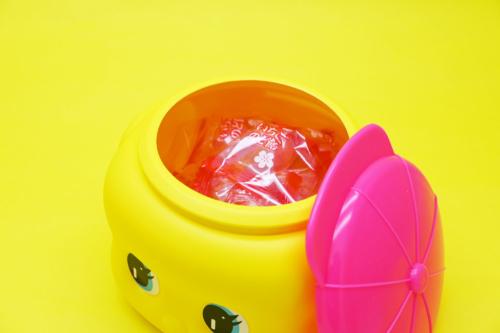 新商品「福岡限定フエキくん」イメージ 「フエキあまおう果汁入りいちごのど飴」