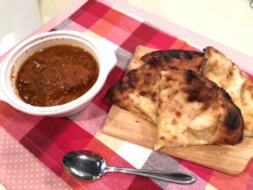 インディアンレストラン マレカ カライチキンカレー チーズナン