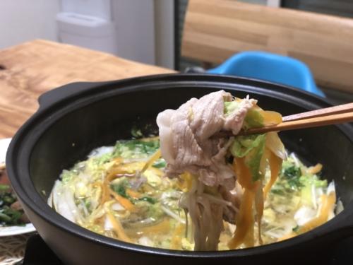 ダイショーもつ鍋スープ(しょうゆ味) 野菜巻き豚しゃぶ鍋