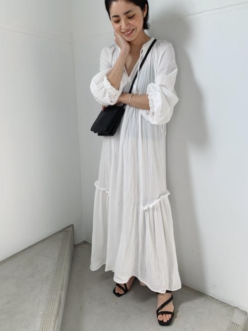 モデルYuki Ideサンダルコーデ