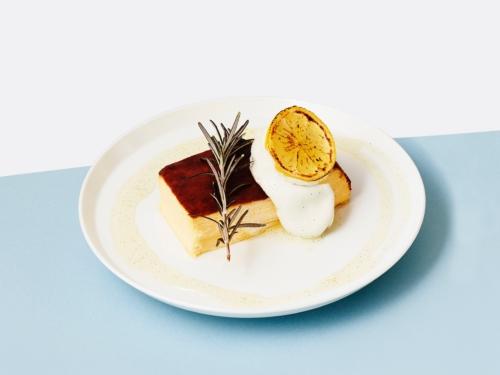 『北海道産カマンベールのバスクチーズケーキ』