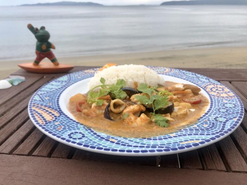PUKA PUKA KITCHEN 海の幸と夏野菜のココナッツカレー