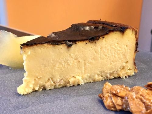 ジンジャーバスクチーズケーキ