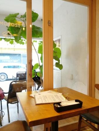 カフェ&パティスリー「MOMOTOSE(ももとせ)」