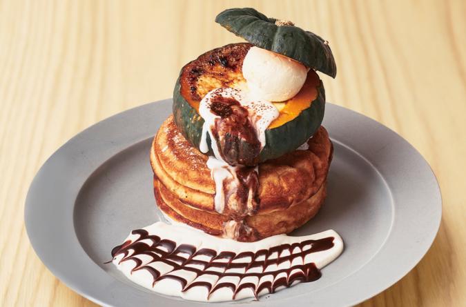 「まるごとかぼちゃのパンケーキ」(カフェ&ブックス ビブリオテーク)