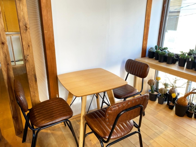TSUBAME DONUT カフェスペース