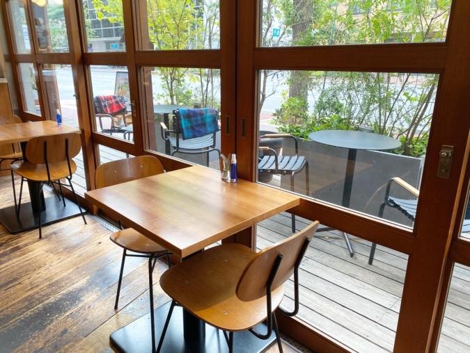 WHITE GLASS COFFEE(ホワイトグラスコーヒー) 席