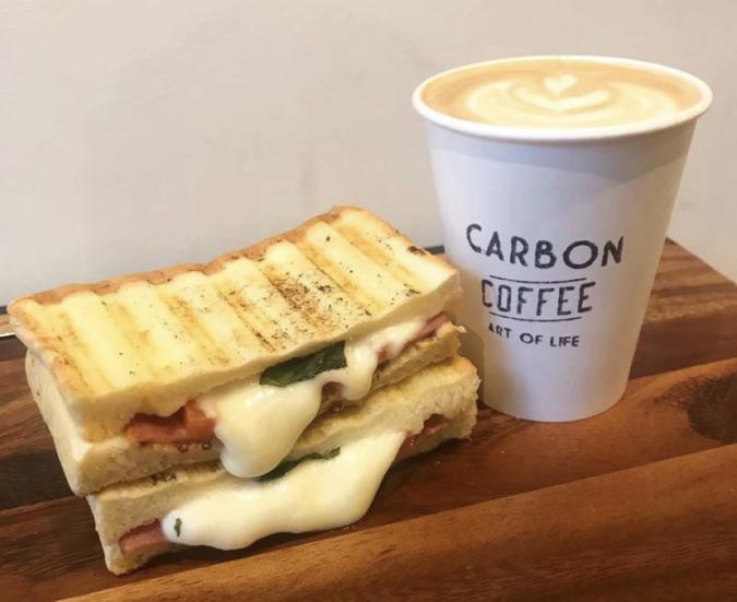 CARBON COFFEE ホットサンド
