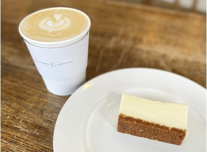 Siro Coffee ラテとチーズケーキ