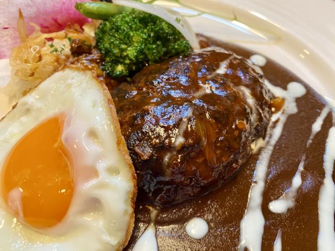 欧風カレー 白山舎(はくさんしゃ) 伊万里牛煮込みハンバーグカレー ハンバーグ