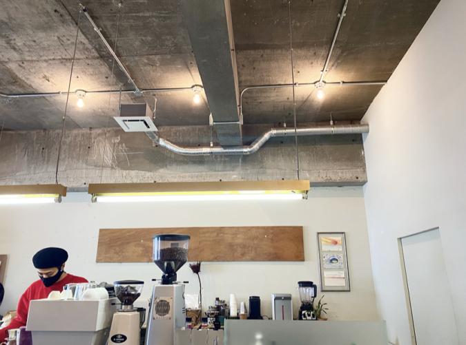 COFFEE&CAKE STAND LULU 店内