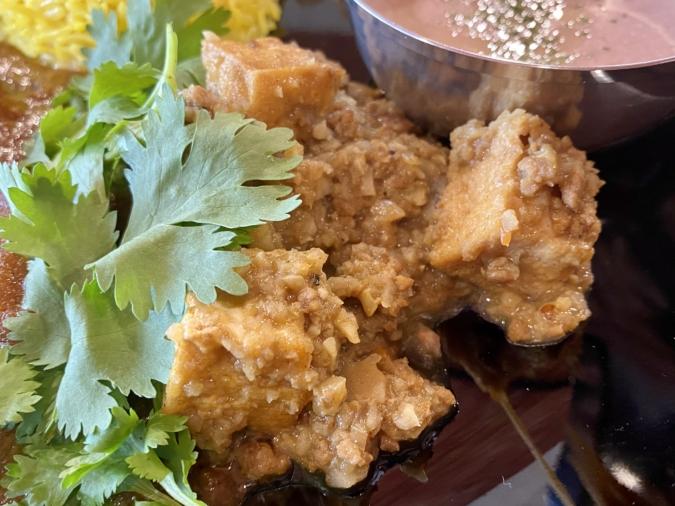 チチケルカレー チチケルカレー(3種合いがけ) 厚揚げとレンコンのキーマカレー