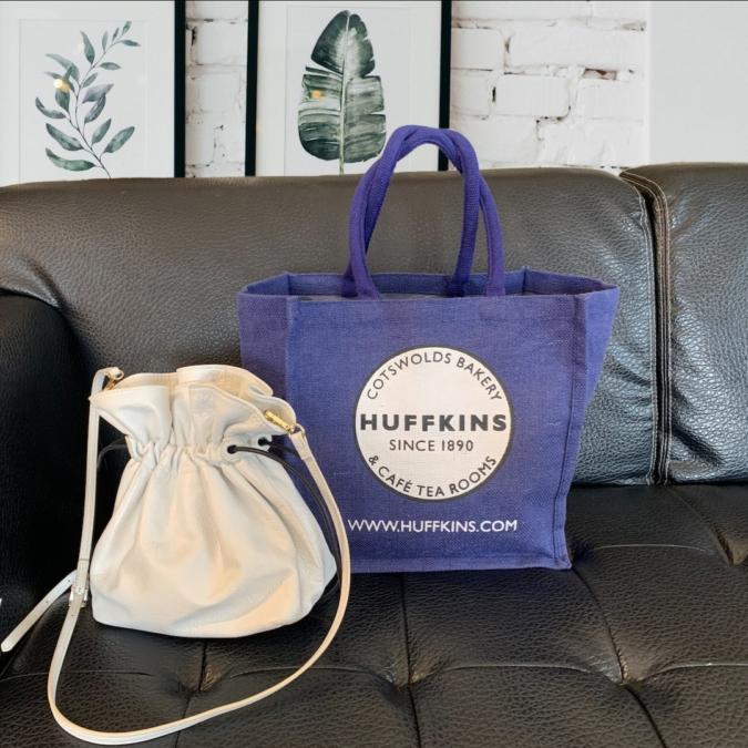 『HUFFKINS(ハフキンス)』の麻素材のエコバッグ
