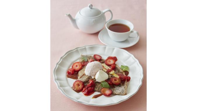 苺と塩キャラメルソースのガレット(紅茶付き)
