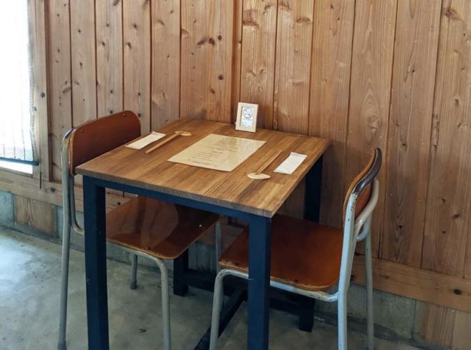 bubude coffee(ブブデコーヒー) 店内の席