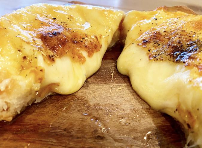 MIELE tamachi(ミエーレたまち) ハニーチーズトースト 断面