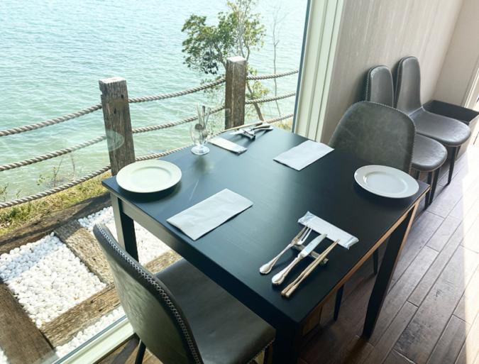 HACHIDORI(ハチドリ) テーブル席