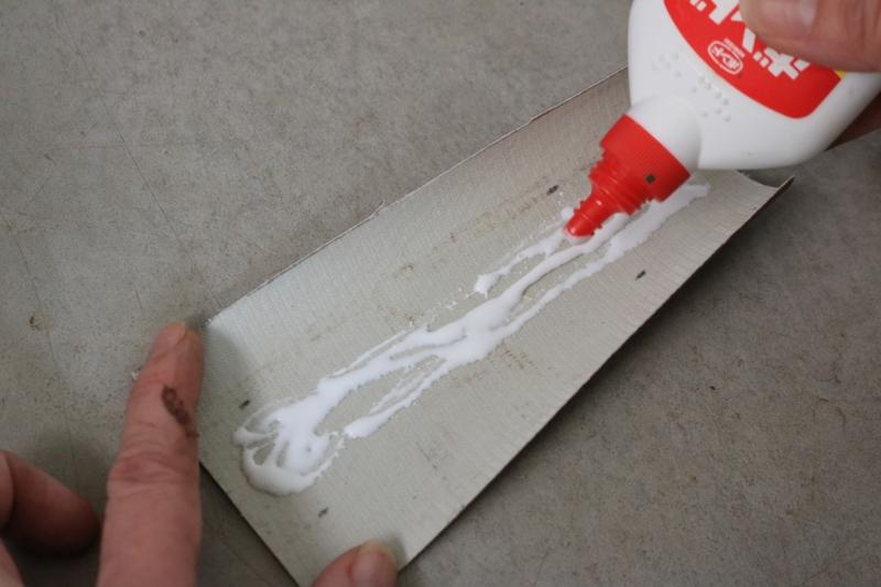 ウッドアルバムの作り方 ボンド塗る