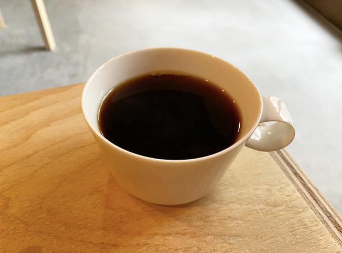 コーヒー 『day to day coffee and espresso』(デイトゥーデイコーヒーアンドエスプレッソ)