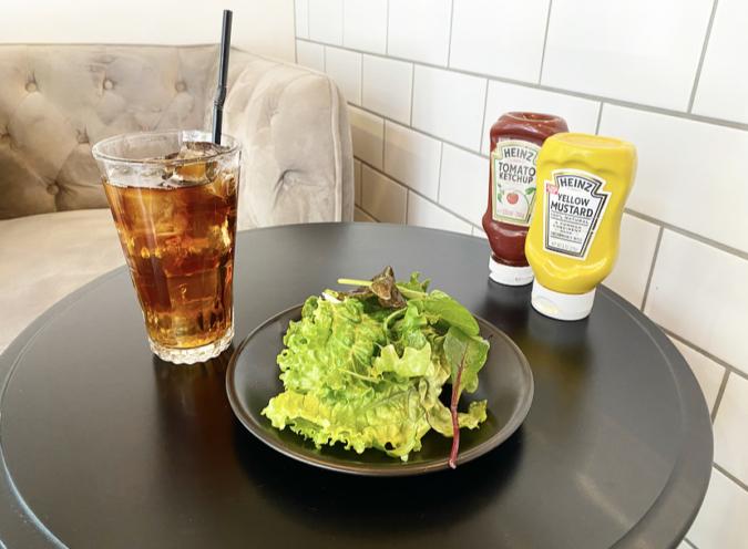 ALWAYS SUNSHINE SANDWICH BAR(オールウェイズサンシャインサンドイッチバー) セットのドリンク&サラダ