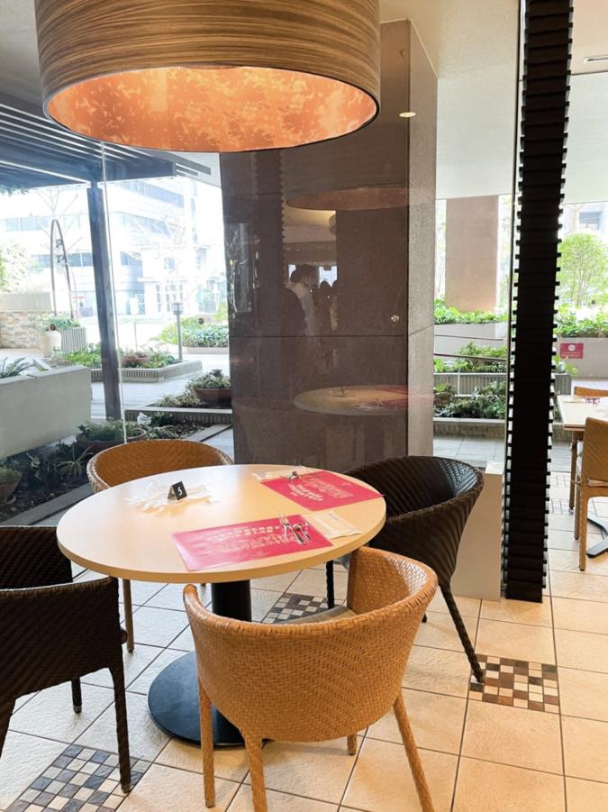 ANAクラウンプラザホテル福岡「いちごの研究所 Pink Lab」 店内