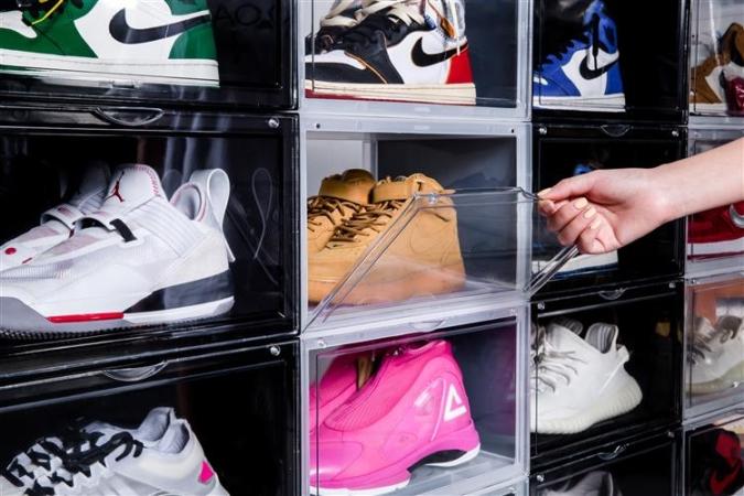 靴コレクターにうれしい、見せるシューズケース