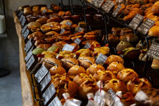 モロパン パン陳列棚