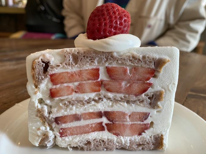 cafe dacotan イチゴのラズベリーブレッドショートケーキ ハーフサイズ