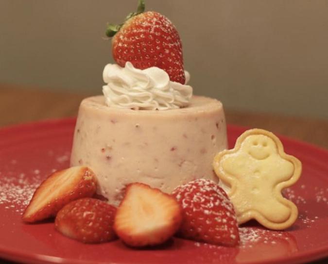 kawara CAFE&DINING FORWARD福岡パルコ 苺のさくさくミルフィーユパイ