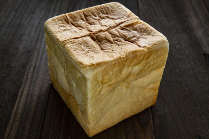 ぺったん むっちり食パン