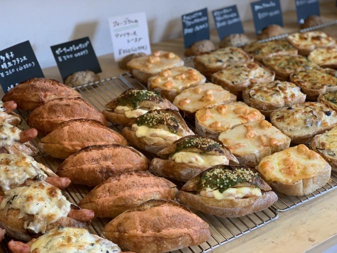 THE ROOTS neighborhood bakery(ザルーツネイバーフッドベーカリー) 総菜パン