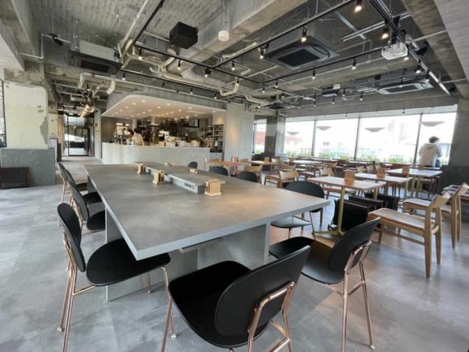 ROOF TOP GARDEN CAFFE OTTO店内