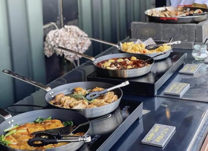 『イノベーティブ・フレンチ ワタハン by Fruyu Onsen ONCRI』がプロデュースしたブッフェ料理