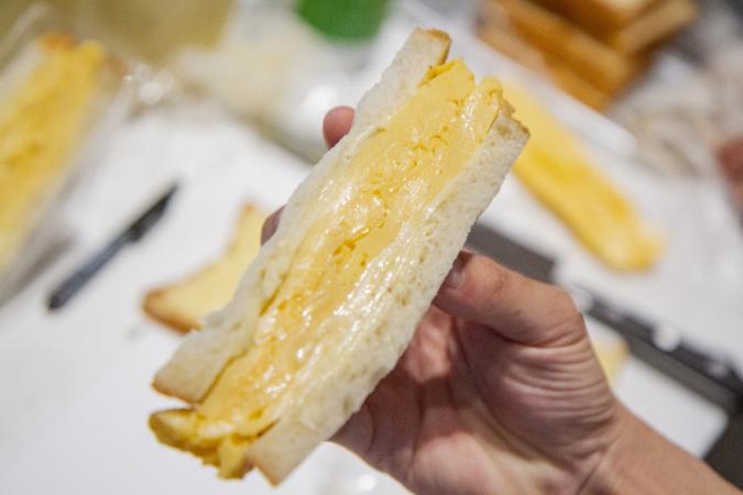 ダコメッカ サンド