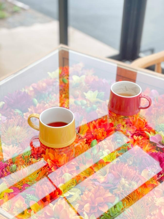 カフェコーナーで無料のコーヒーが楽しめる