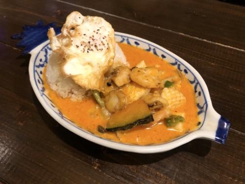 イムキッチンの(タイ風)チキン南蛮とチーズのせイエローカレー