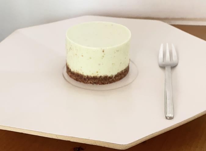 『Pin(ピン)』のピスタチオのレアチーズケーキ