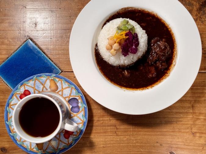 「のらり」のコーヒーはカレーとセットで200円引きに