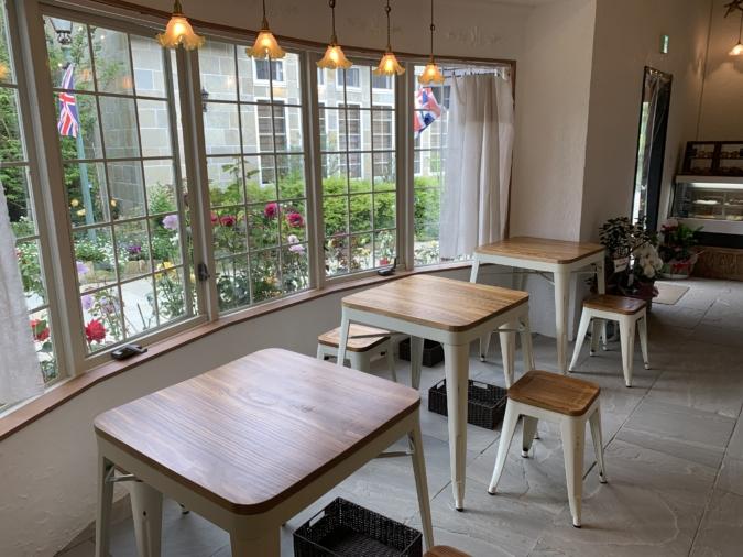 BLUE MOON CAFE(ブルームーンカフェ)店内
