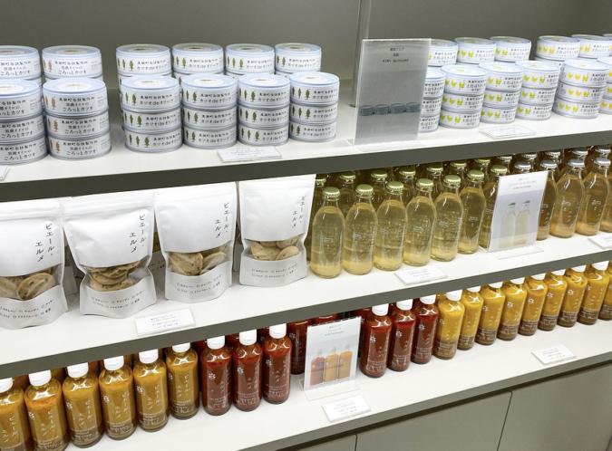 『Made in ピエール・エルメ 福岡空港』では缶詰やドレッシングなども販売