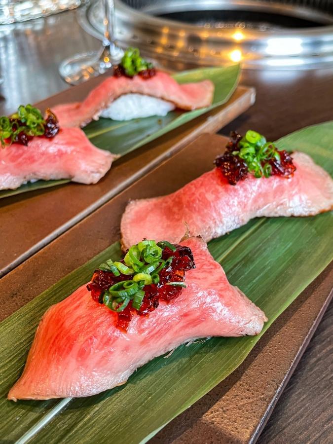 『焼肉 中津留』赤身炙り寿司