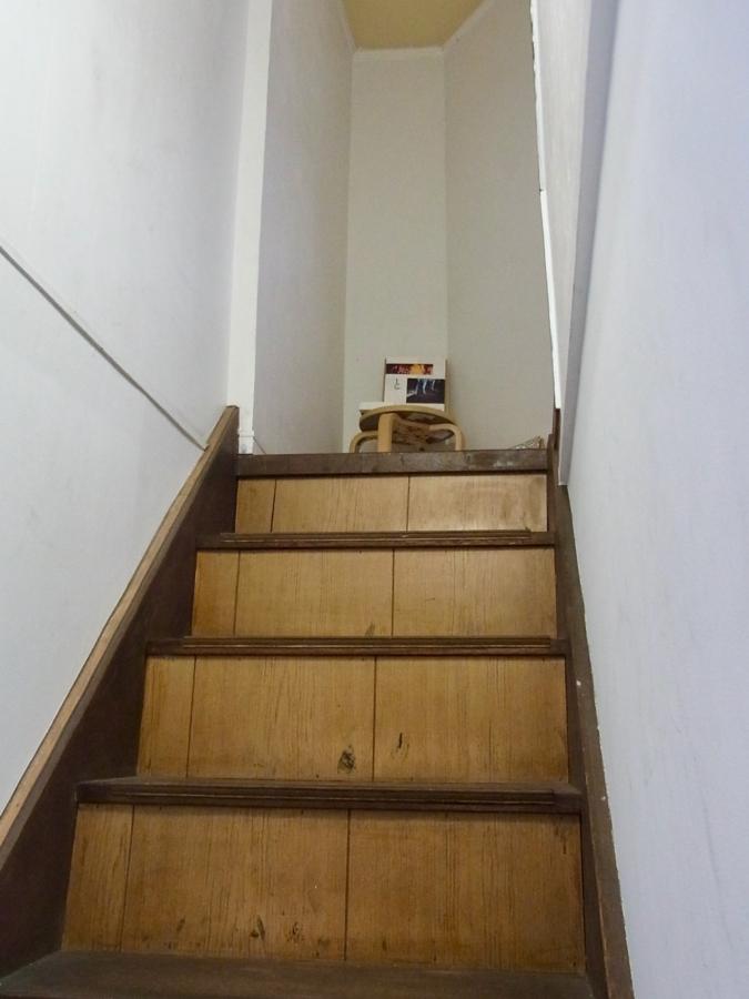 本屋青旗 階段
