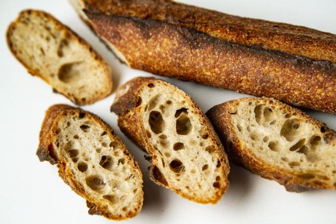 『OKUZOE SEIPAN(奥添製パン)』バゲット断面