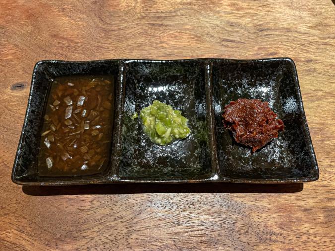 ぶた肉専門 豚や 豚ステーキ定食の薬味類