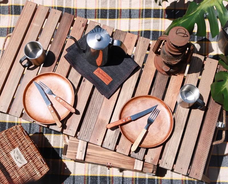 折りたたみテーブル完成品使用イメージ