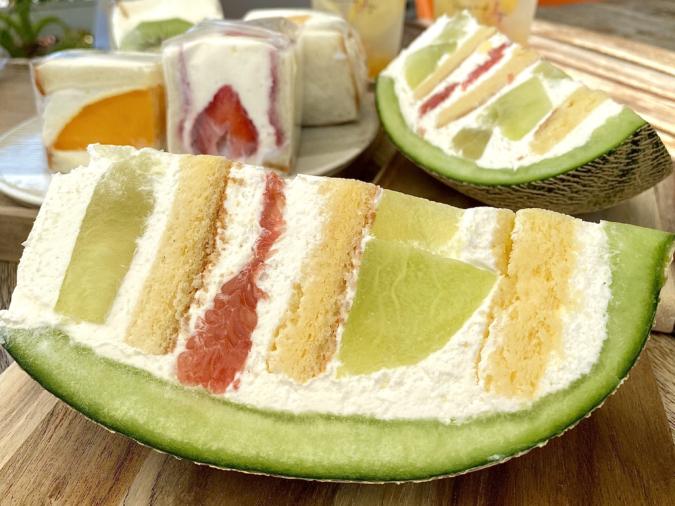 Patisserie&cafe Anju(パティスリー&カフェ アンジュ)丸ごとメロン