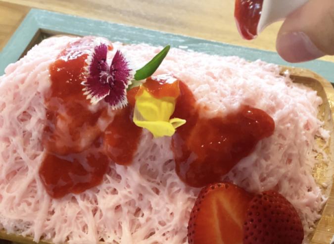 花カフェKOKIA(コキア) 糸かき氷 いちご