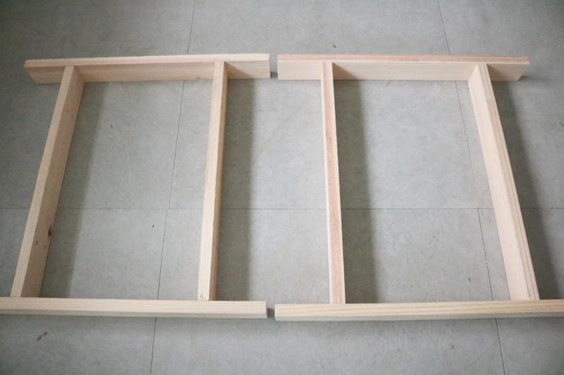 折り畳みテーブルの脚を2つ作る