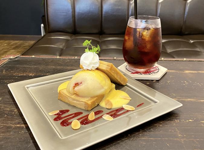 「cosaell coffee and cheese cake」桃とカスタードのチーズケーキと水出しコーヒー