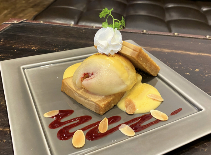 「cosaell coffee and cheese cake」桃とカスタードのチーズケーキ